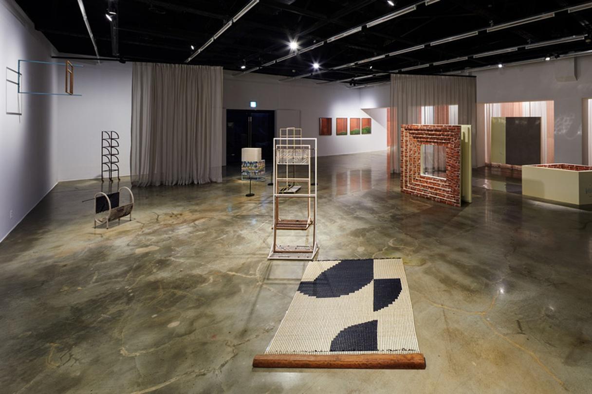《Unclosed Bricks: 기억의 틈》 전시전경 | 아르코미술관 제공